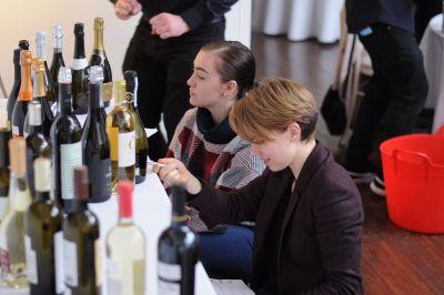Photo for: Accroître la présence et la distribution de votre marque de vin en France, aux États-Unis et en Chine